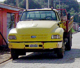 Ford_F12000_or_14000